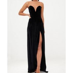 🆕⭐ Black plunging neck formal strapless dress